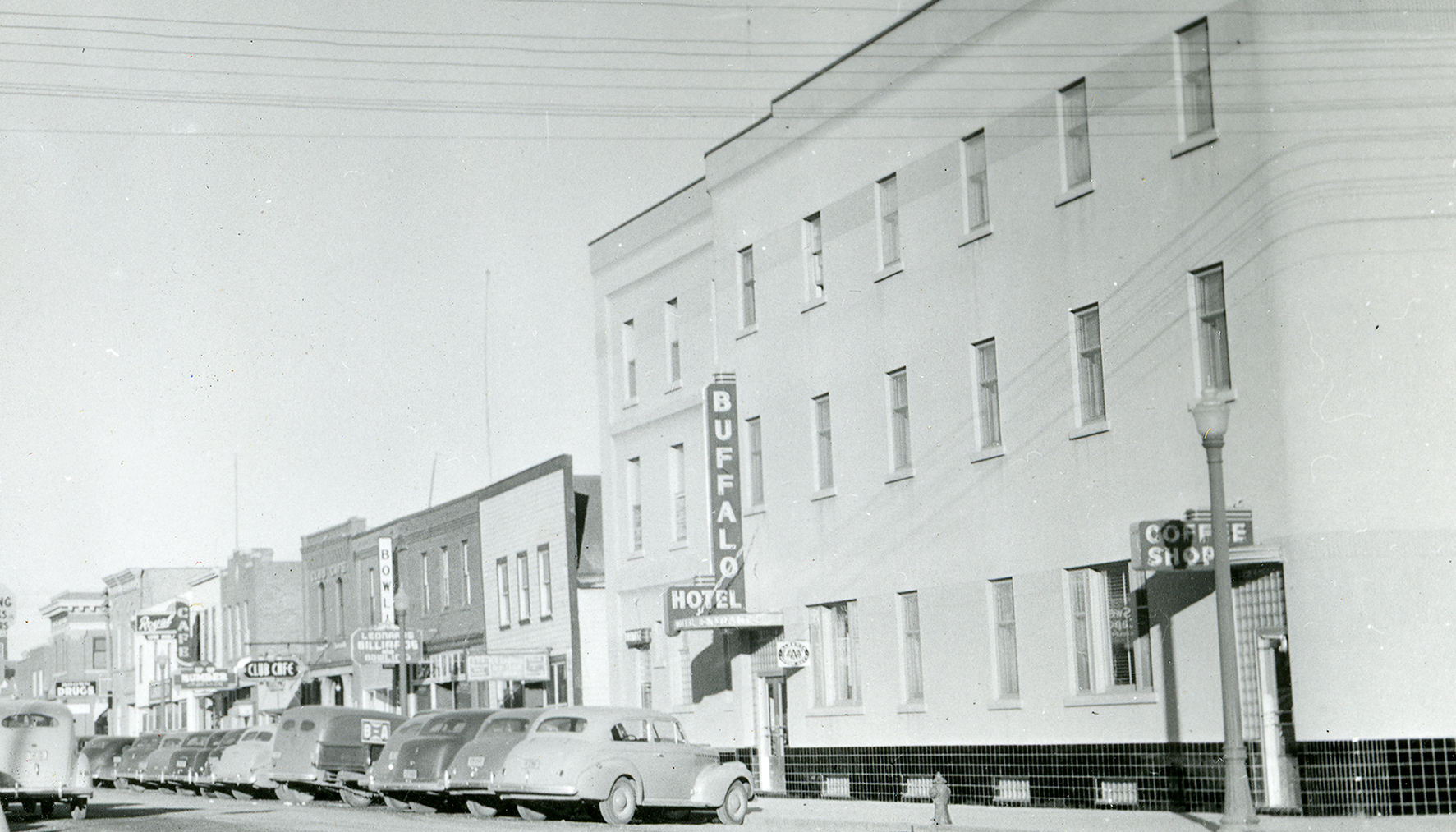 Buffalo Hotel and Cage, 1940