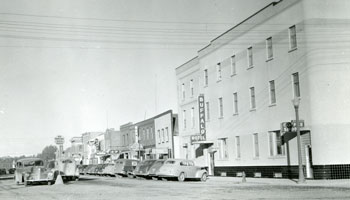 Photo of the Buffalo Hotel circa 1940