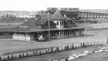 Picture from 1910 of CPR Station and Park.