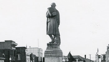 1950's photo of the Cenotaph in Red Deer.