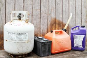 Containers showing examples of types of hazardous waste (JPG)